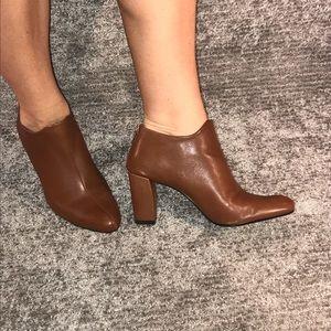 AEROSOLES Trustworthy Dark Tan Leather Ankle Boots